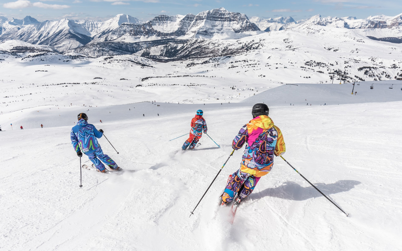 Skiing in Auli