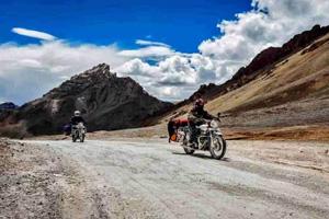 Ladakh Bullet Tour