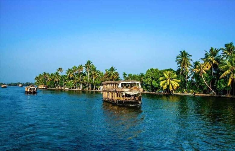 Cochin Munnar Kumarakom Tour Package